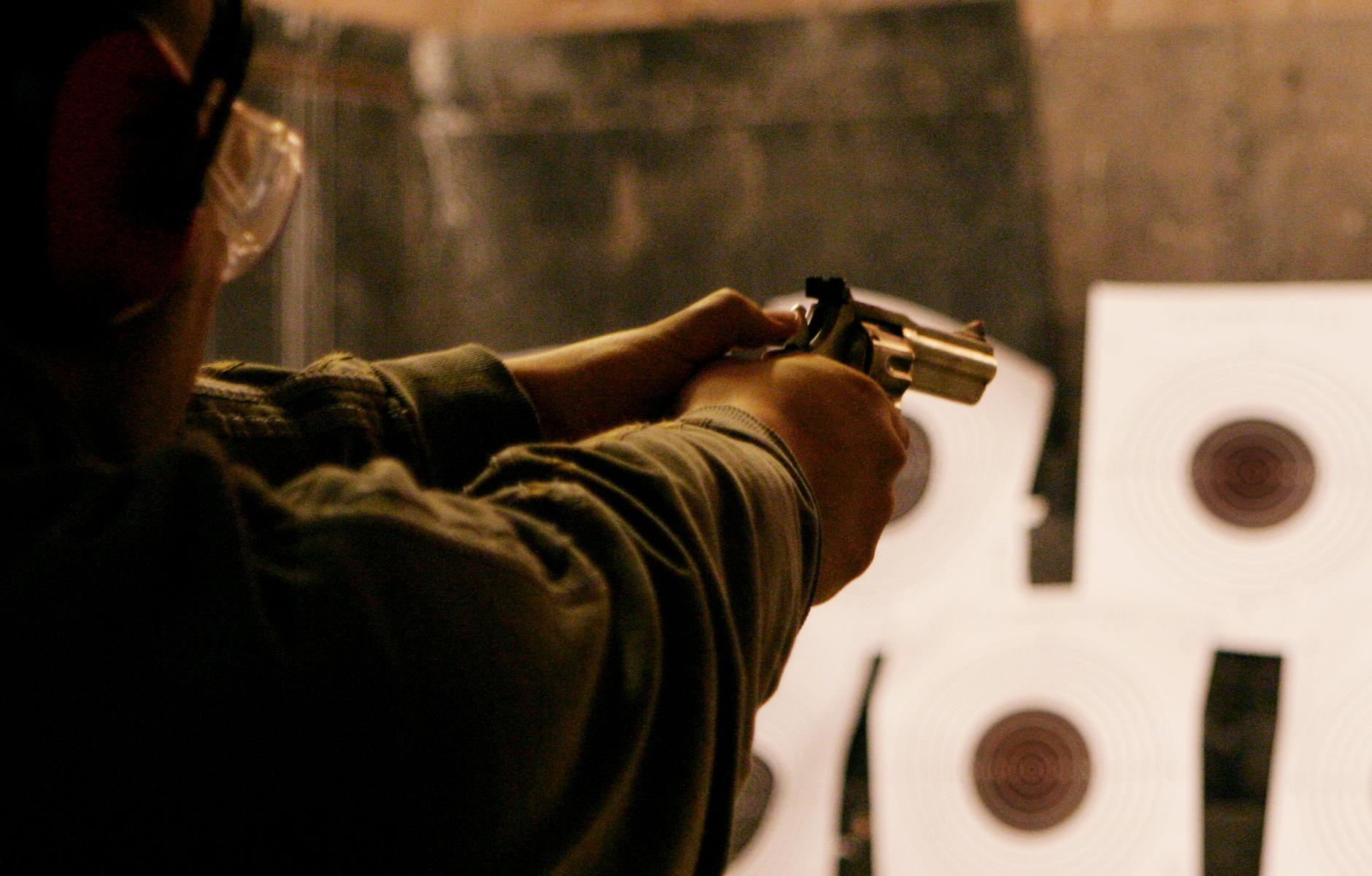 Shooting tir 51 rounds ak47 budapest enterrement vie de gar on evg - Que ramener de budapest ...